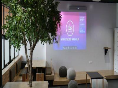 Toulouse Business School - HDL 300 Nureva - Education